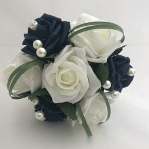 small bridesmaid bouquet with pearls