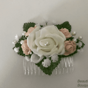 bridesmaid comb with gypsophila