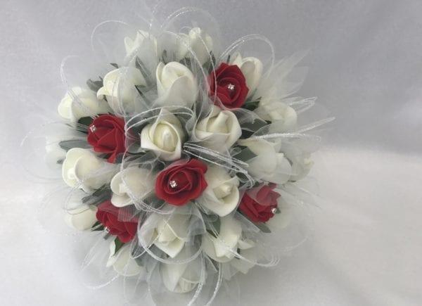 bridesmaid posy red