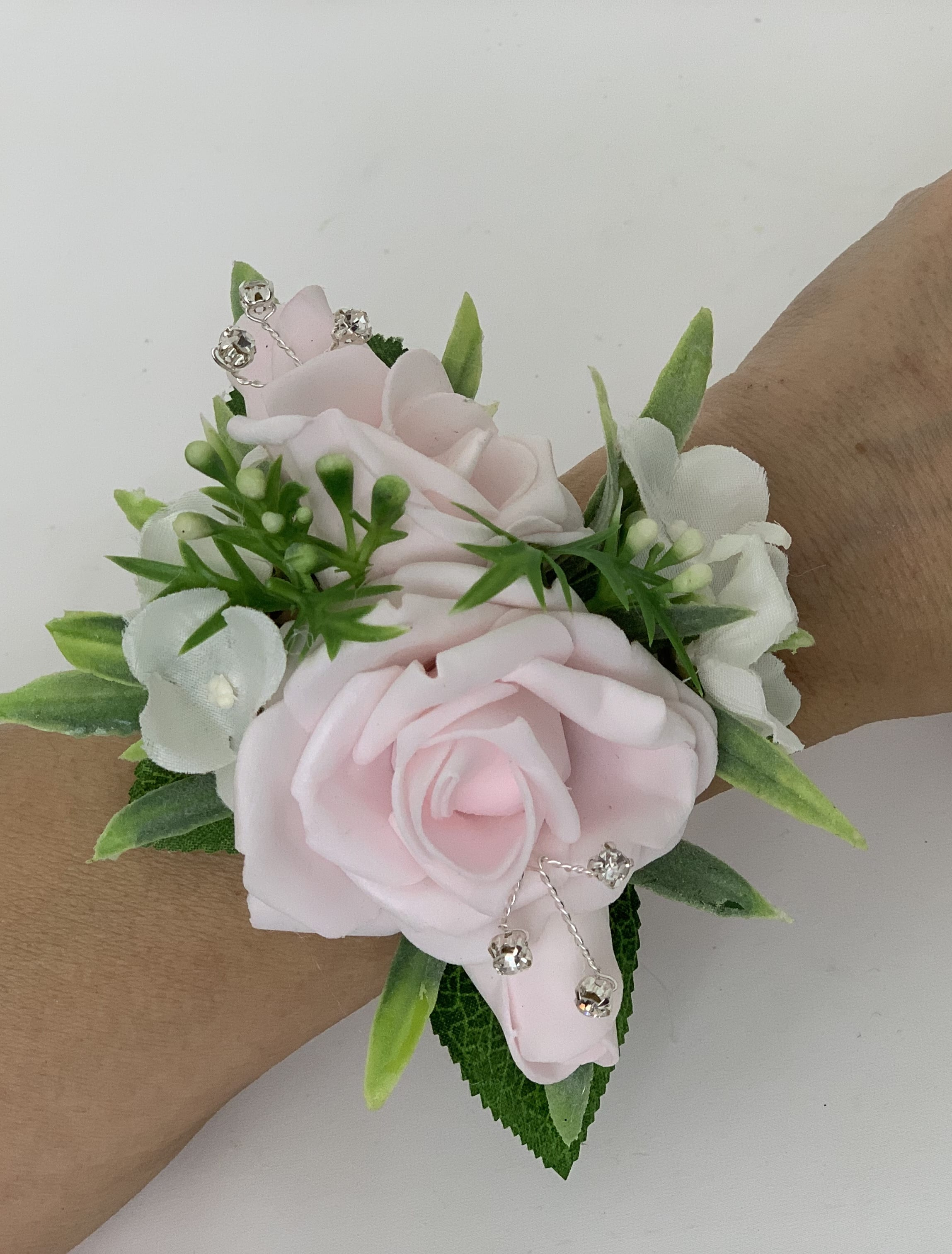 Wrist Corsage: Artificial Wedding Prom Wrist Corsage Bracelet Greenery