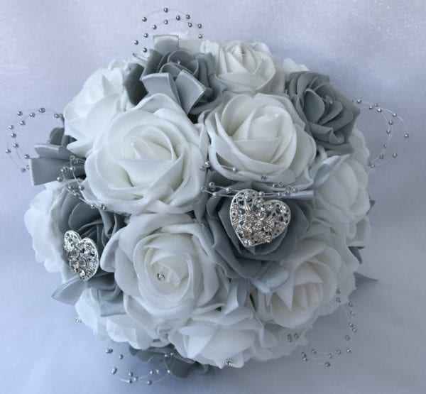 heart brides posy